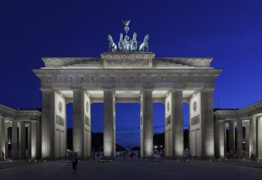 Brandenburg Gate at twilight, Berlin