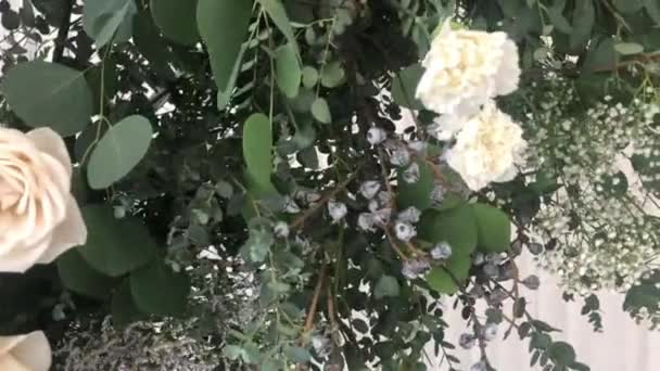 Virágkötészet az esküvőn