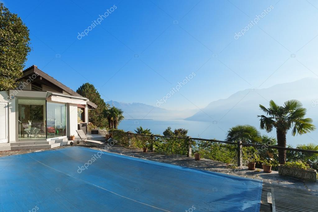 Terras van een berg thuis u2014 stockfoto © zveiger #101904688