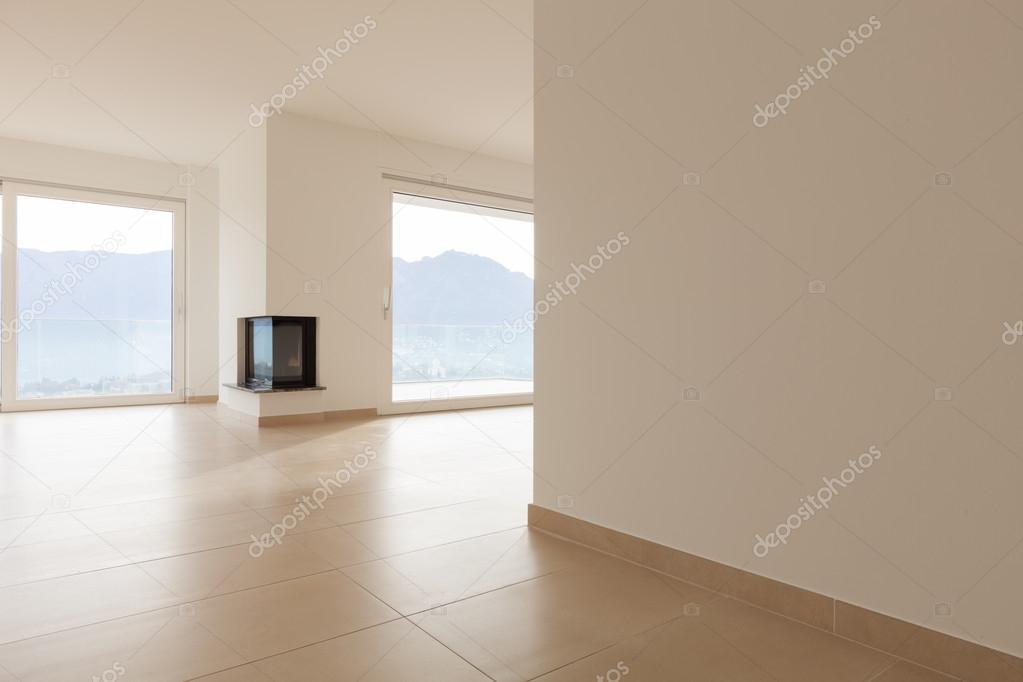 Int Rieur De L 39 Appartement Neuf Vide Salle De S Jour Carrelage Au Sol Photo 102822470
