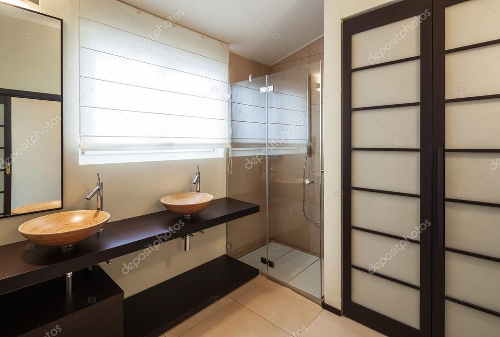 Arredato casa di design bagno u2014 foto stock © zveiger #102824882
