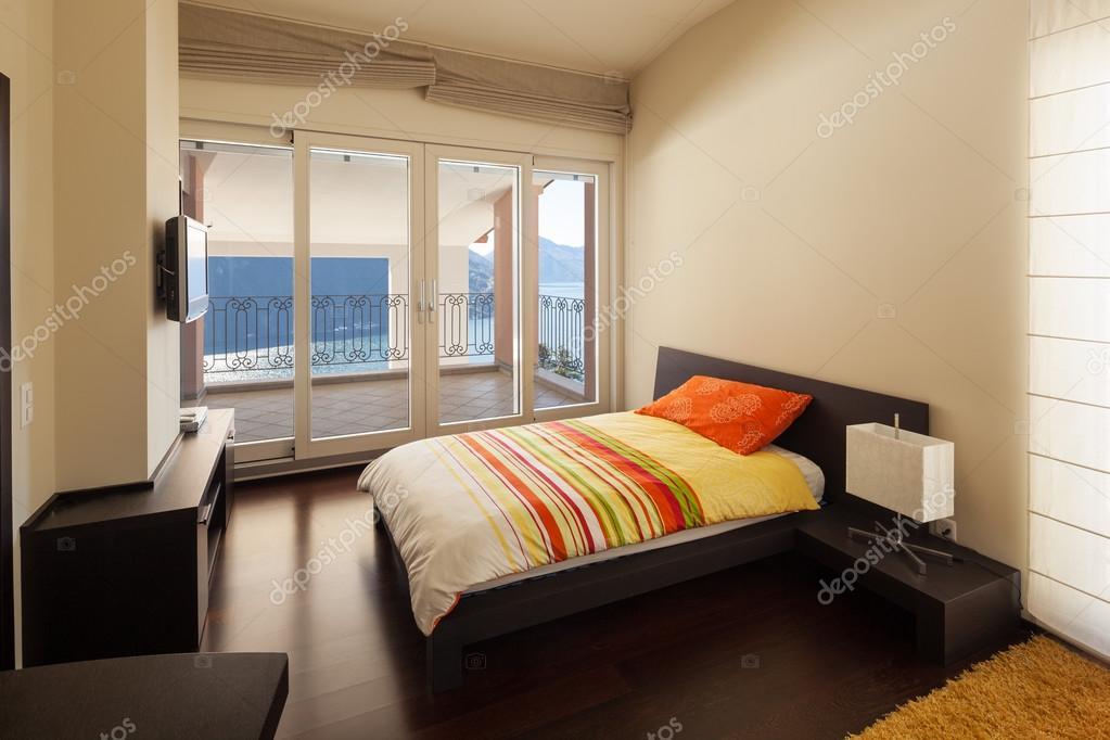 Umeblowany Dom Projekt Sypialnia Z Widokiem Na Jezioro Zdjęcie