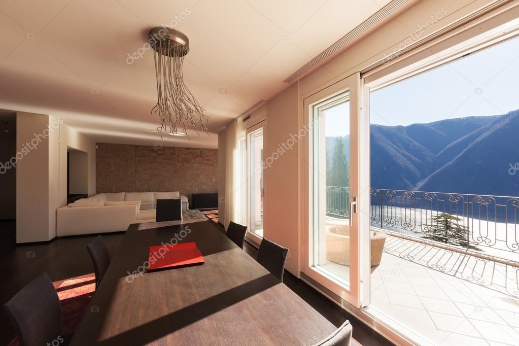 Casa amueblada de diseño, comedor — Foto de stock © Zveiger #102829306