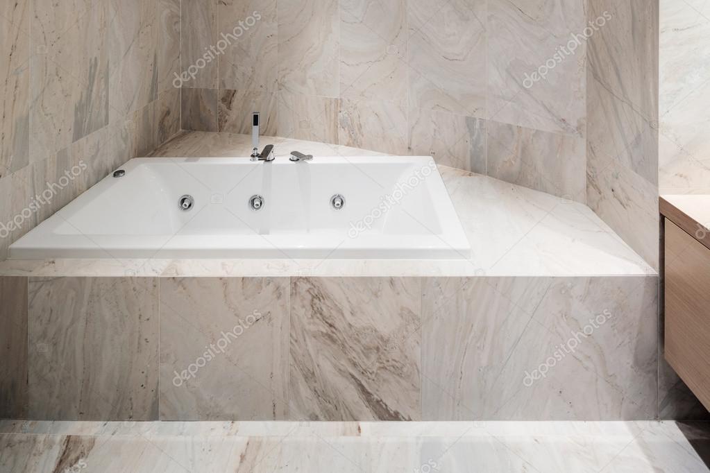 Vasca Da Bagno Marmo : Bagno interno in marmo u foto stock zveiger