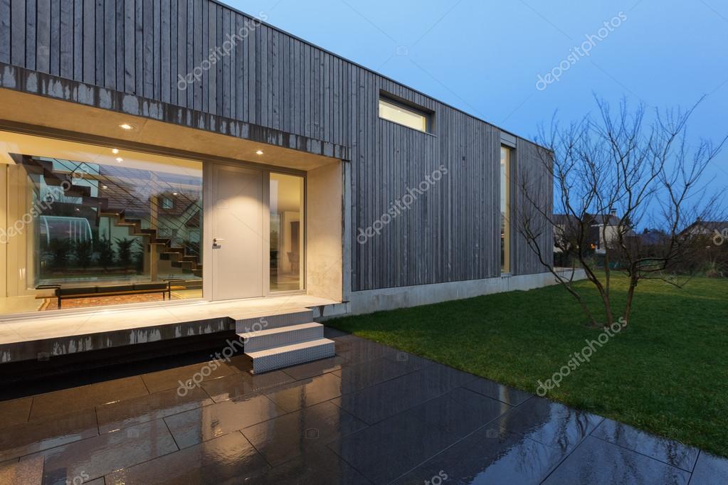 Ingang van een modern huis u2014 stockfoto © zveiger #107913748