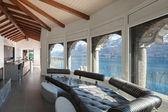 obývací pokoj s koženou divan