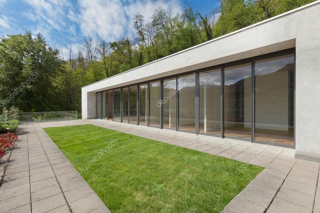 Außenfassade, Ein Modernes Haus, Wald Hintergrund U2014 Foto Von Zveiger