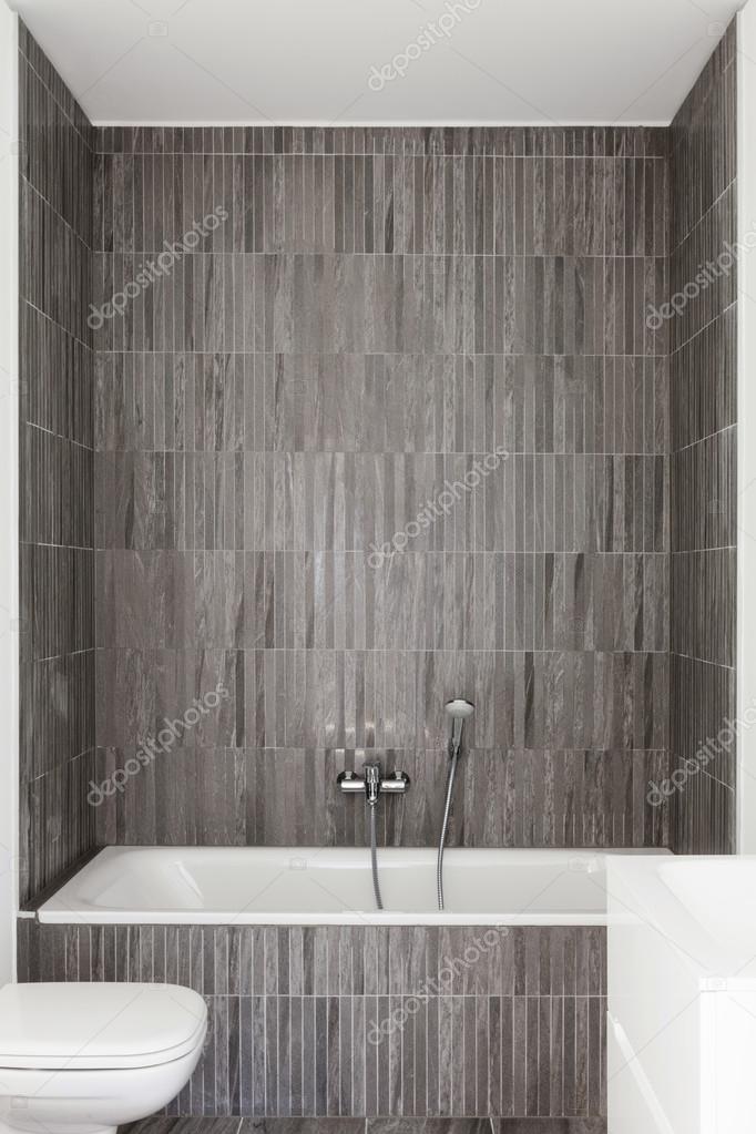 moderne badkamer van nieuw appartement — Stockfoto © Zveiger #113272180
