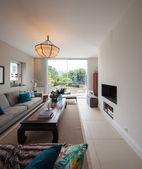 moderní dům, obývací pokoj