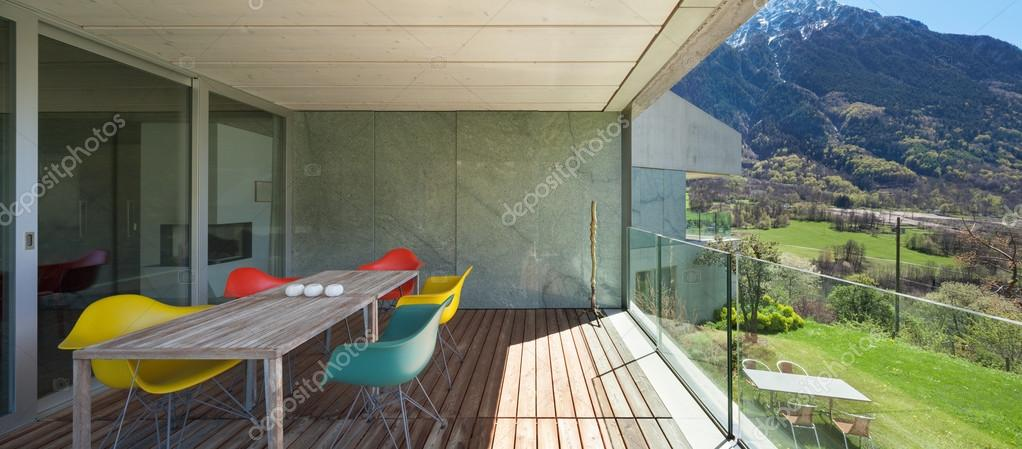 Terraza De La Casa Moderna Foto De Stock Zveiger 114383532