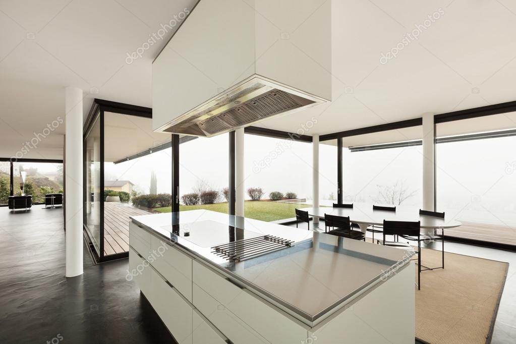 현대 빌라, 부엌 — 스톡 사진 © Zveiger #53828877