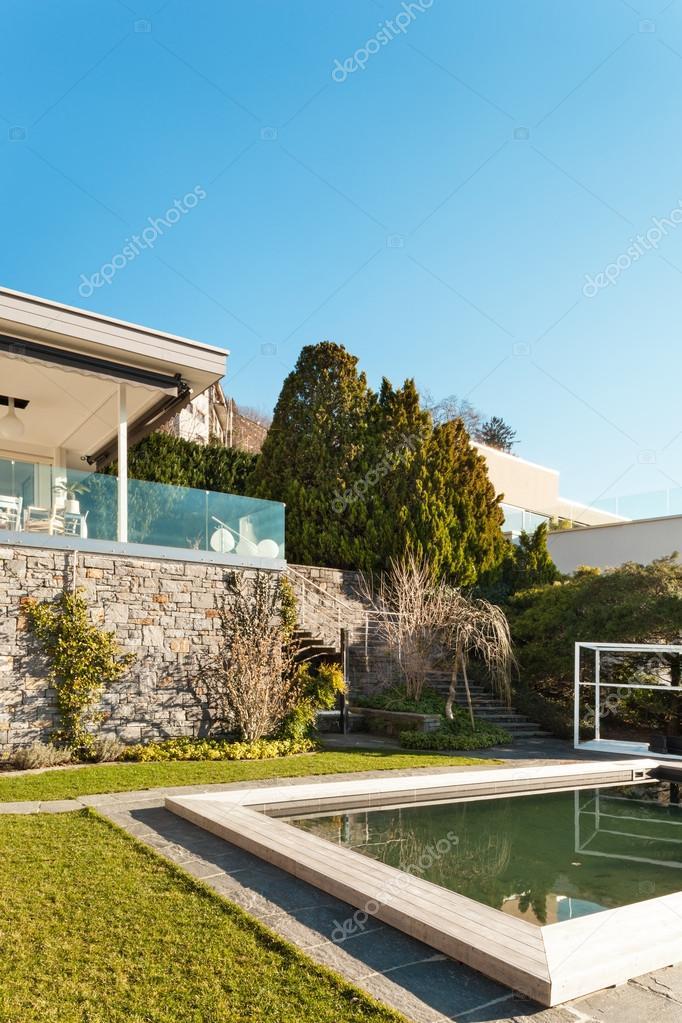 Modernes Haus Mit Pool U2014 Stockfoto