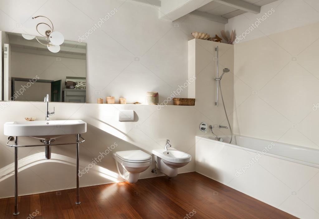 멋진 다락방, 욕실 — 스톡 사진 © Zveiger #57793707