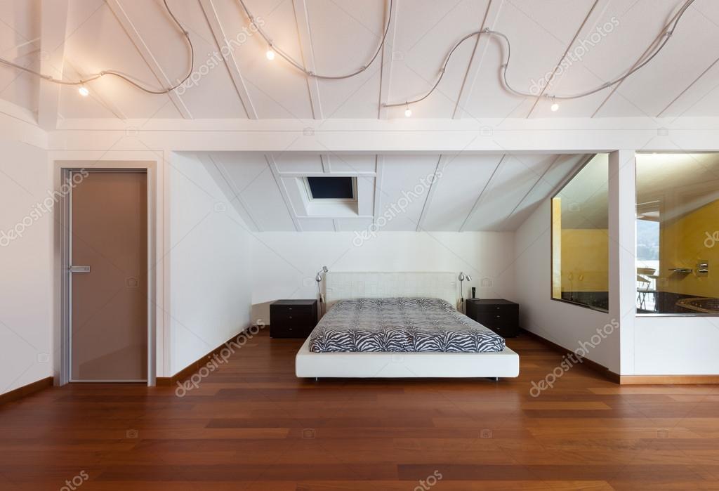 Interno camera da letto bella — Foto Stock © Zveiger #66305563