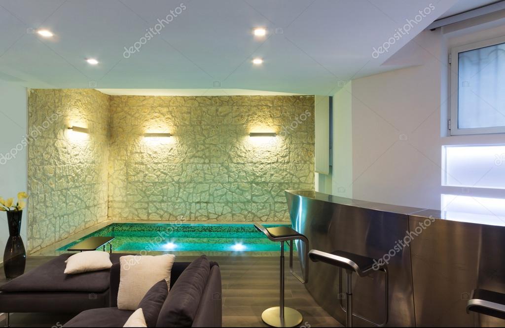 https://st2.depositphotos.com/2018053/7117/i/950/depositphotos_71176921-stock-photo-interior-wide-living-room.jpg