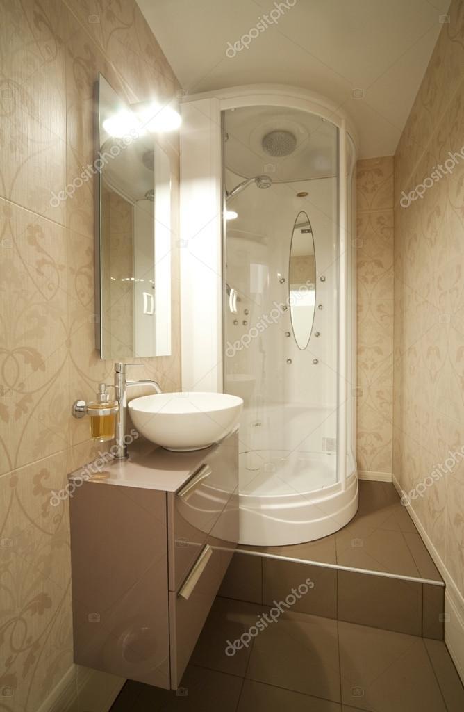 moderne douche, interieur badkamer — Stockfoto © Zveiger #75752529