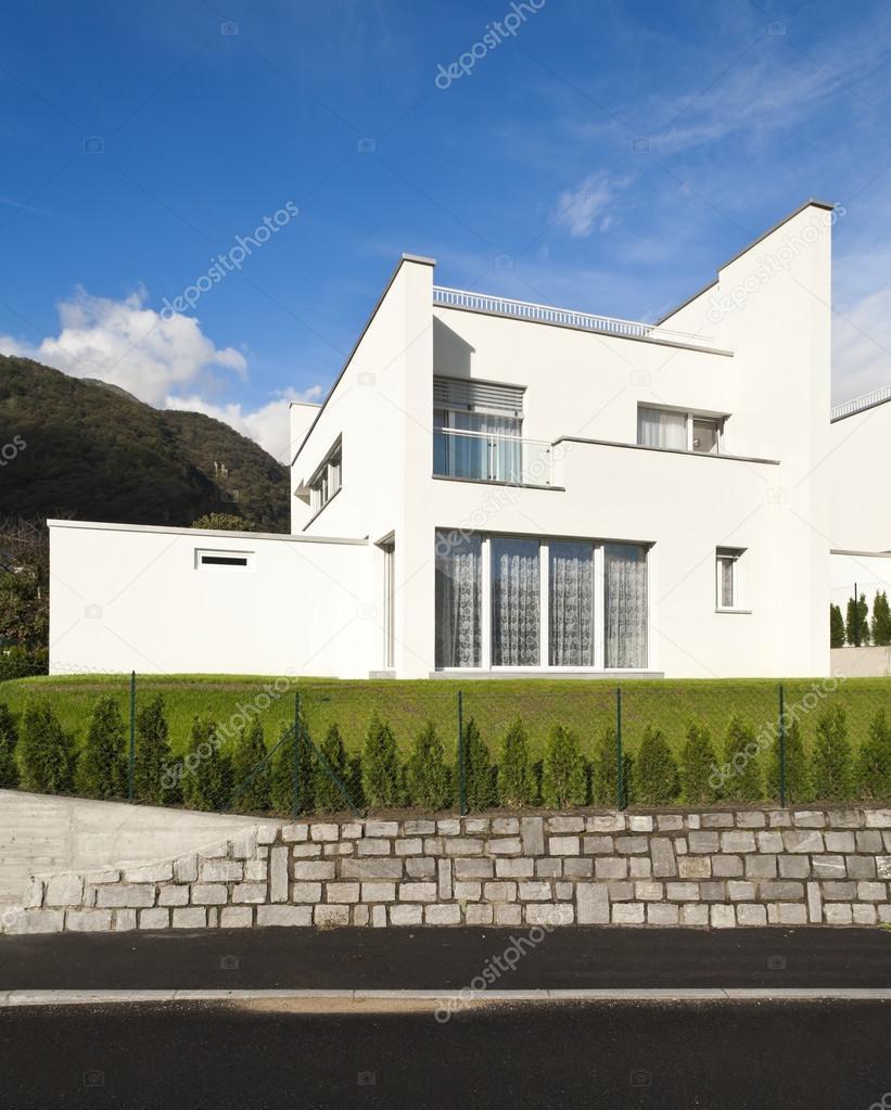 aussenansicht modernes Haus — Stockfoto © Zveiger #79854286