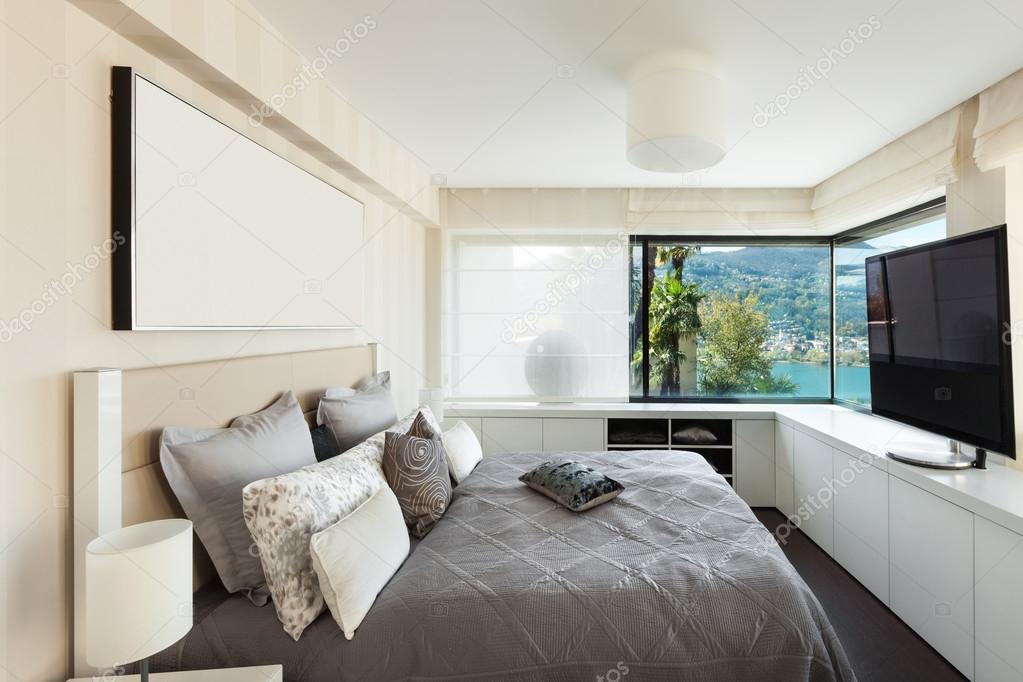 interni, camera da letto di lusso — Foto Stock © Zveiger #81163248