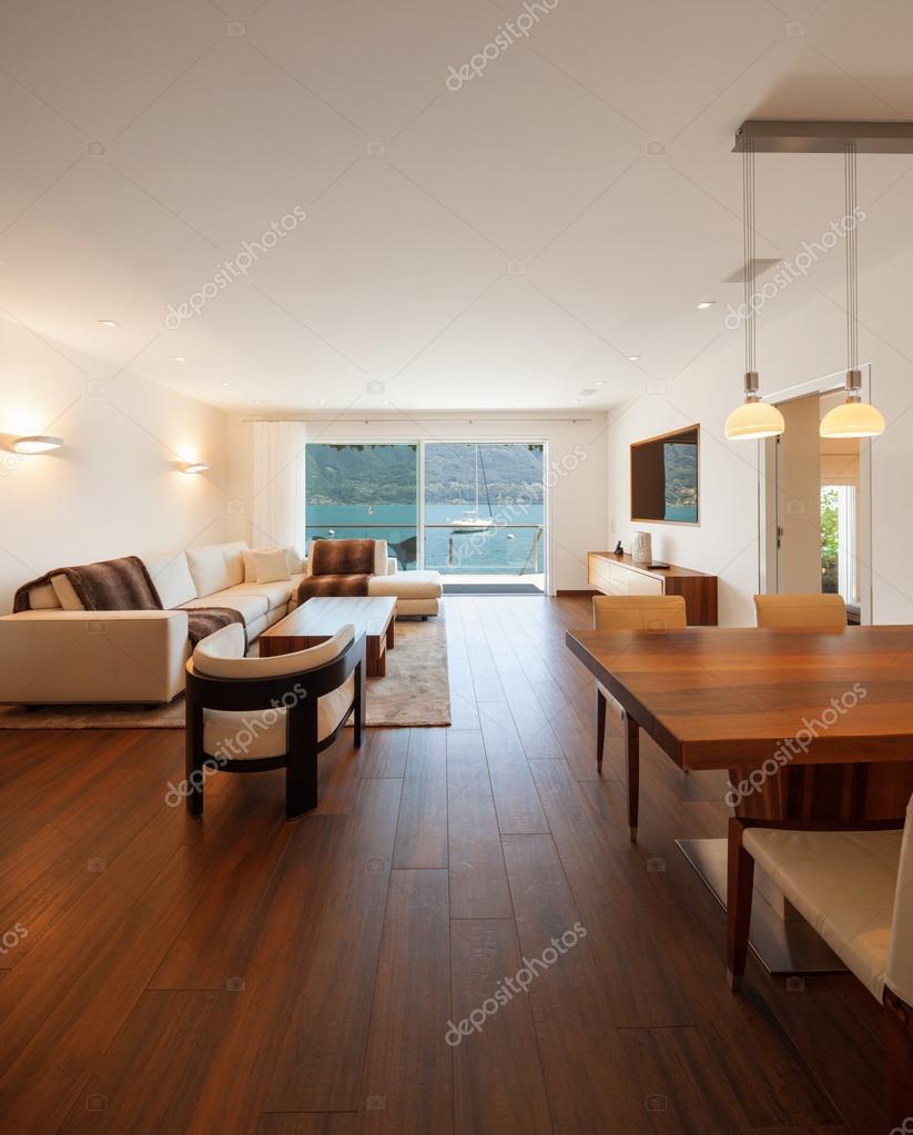 Innenarchitektur, modernen Wohnzimmer mit Seeblick — Stockfoto ...