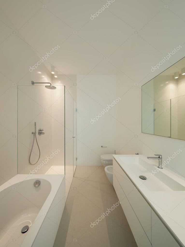 Badezimmer moderne Haus — Stockfoto © Zveiger #86608024