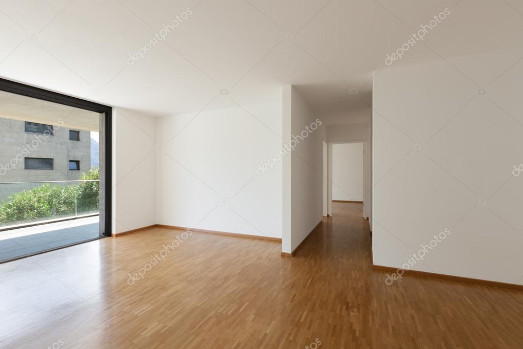 lege woonkamer met balkon — Stockfoto © Zveiger #86616488