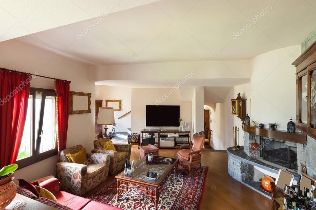 House furnished, wide living room