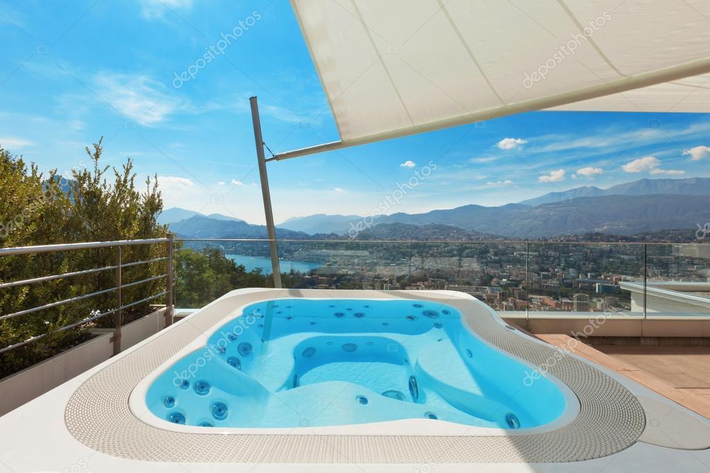 Schone Terrasse Mit Jacuzzi Stockfoto C Zveiger 88761086