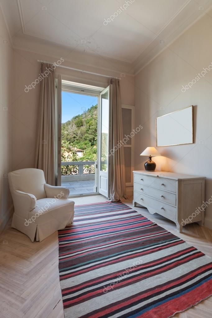 Interieur, kleine woonkamer — Stockfoto © Zveiger #89847036
