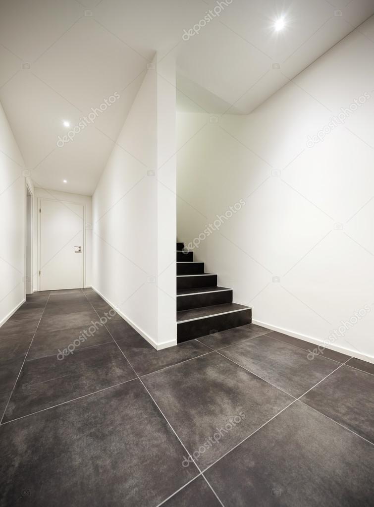 Moderner eingangsbereich innen  Eingang eines modernen Hauses — Stockfoto © Zveiger #92777010