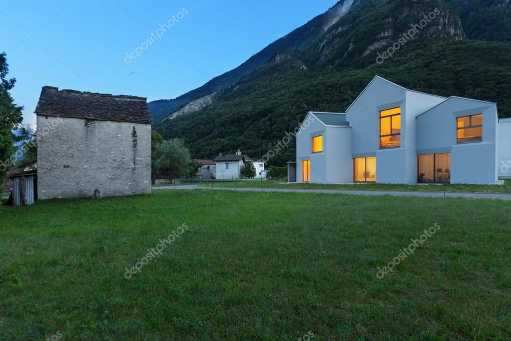 Immagini case moderne amato moderne pana in de metri for Case moderne bianche