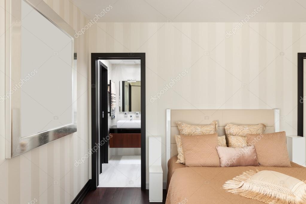 interieurs, luxe slaapkamers — Stockfoto © Zveiger #95472338