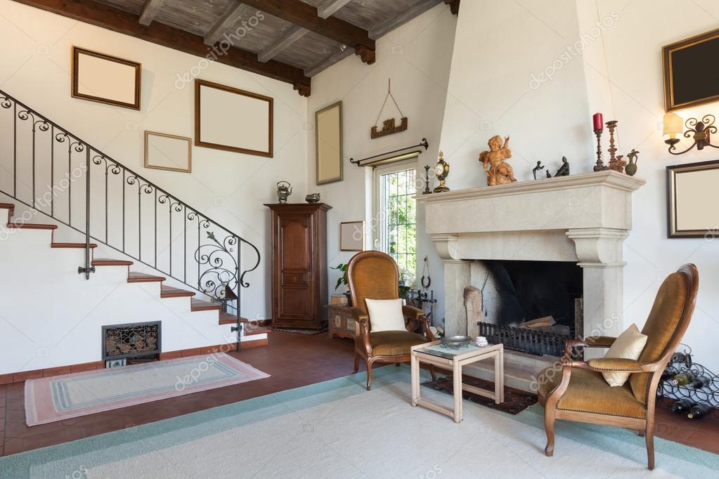 Interieur van oude huis u stockfoto zveiger
