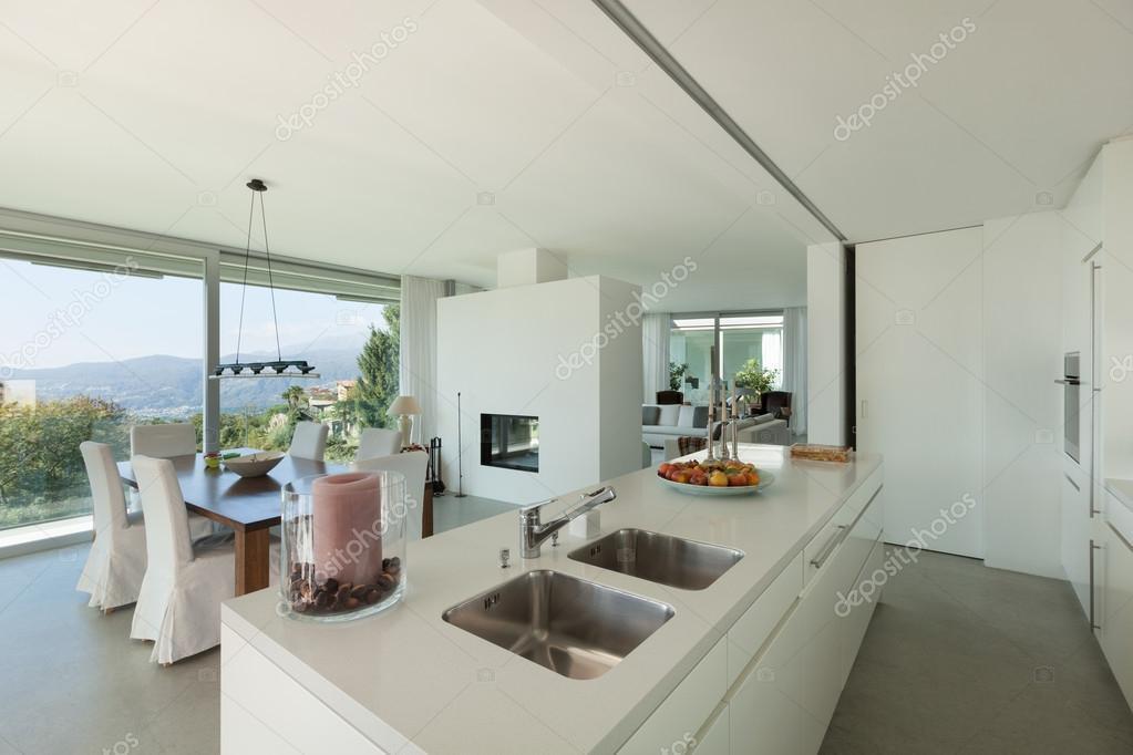 Interieur eetkamer en keuken u stockfoto zveiger