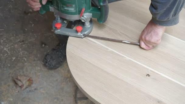 Truhlář výroby nábytku