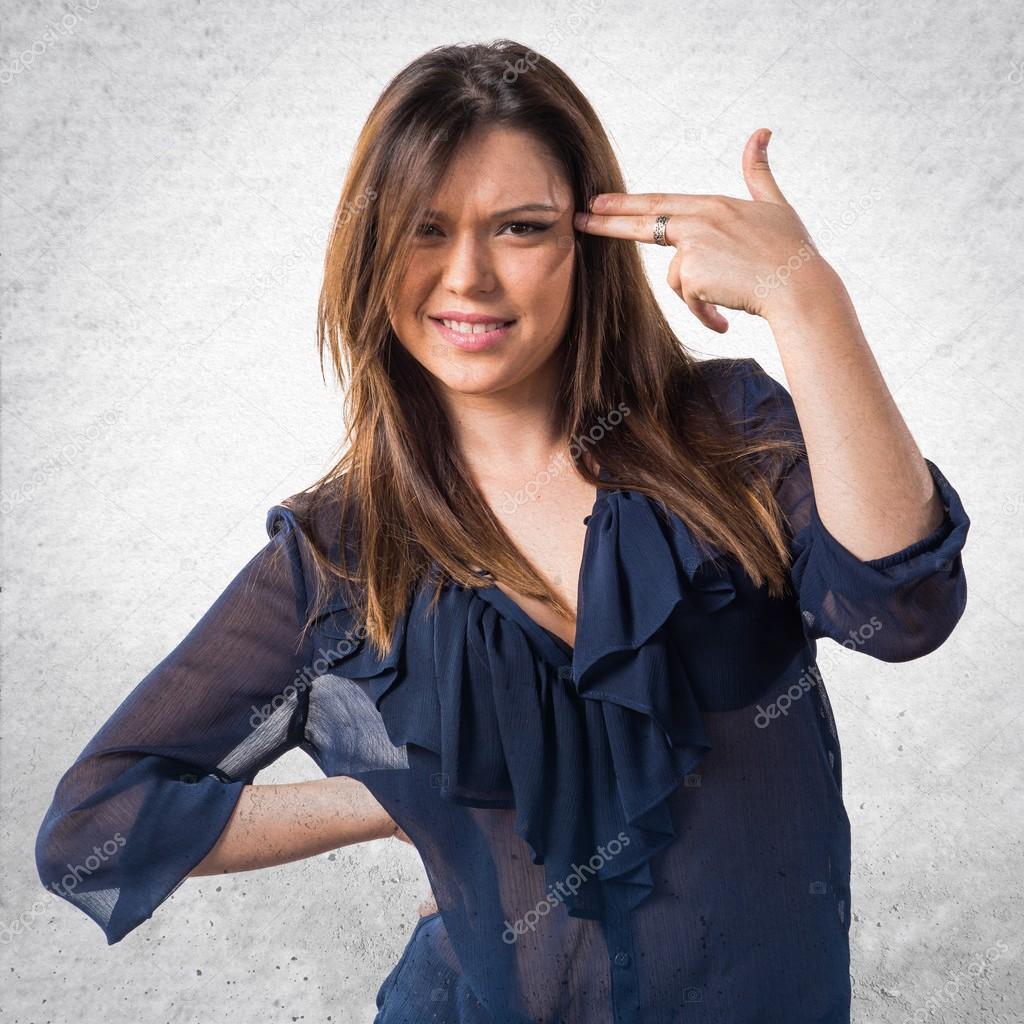 c12c2dd69fae9 Chica joven haciendo gesto de suicidio — Foto de stock ...