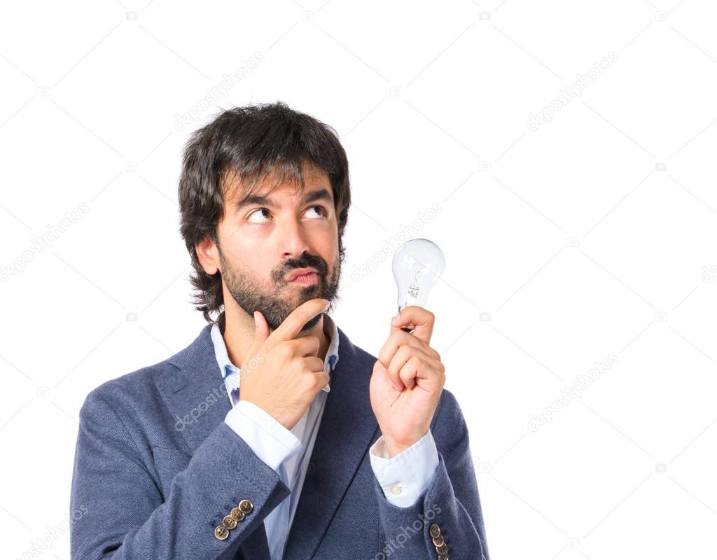 Homem Pensando Sobre Fundo Branco
