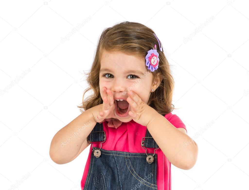 Niño Asustado Gritando: Niño Gritando Sobre Fondo Blanco