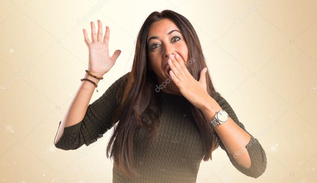 7345fe27f3a1c Mujer haciendo el gesto de sorpresa — Fotos de Stock © luismolinero ...