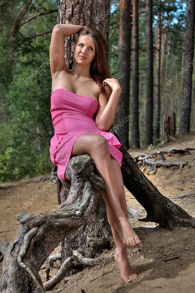 Отдых в видео лесу девушек