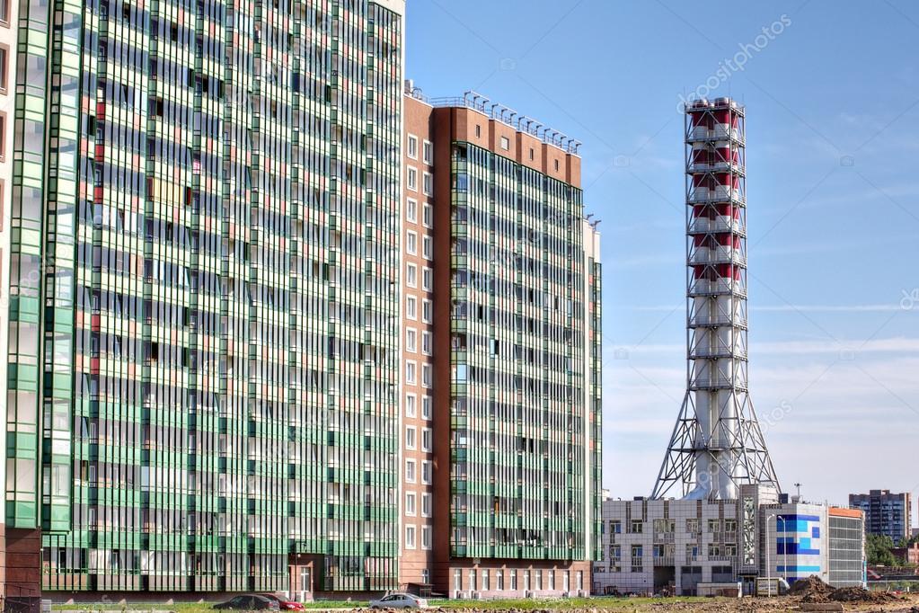 neue industrielle Gas-Kesselanlage, Fernwärme-Haus — Redaktionelles ...