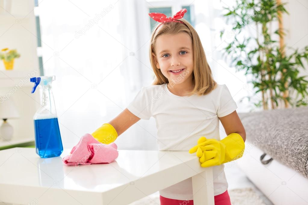 children cleaning their room - 720×480