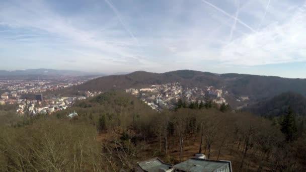 Panoramatický pohled na Karlovy Vary (Karlovy Vary) Česká republika