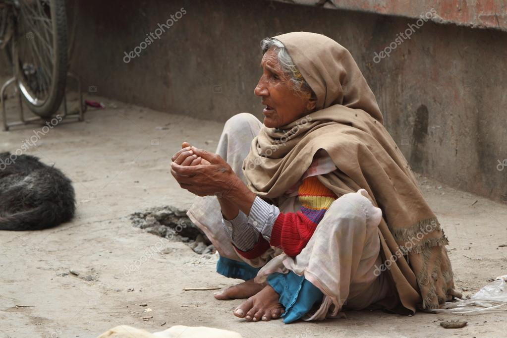essay on poor people in india High poverty levels are synonymous with poor quality of life useful essay on poverty in india (457 words) useful essay on population control in india.
