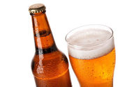 palack és a pohár sör