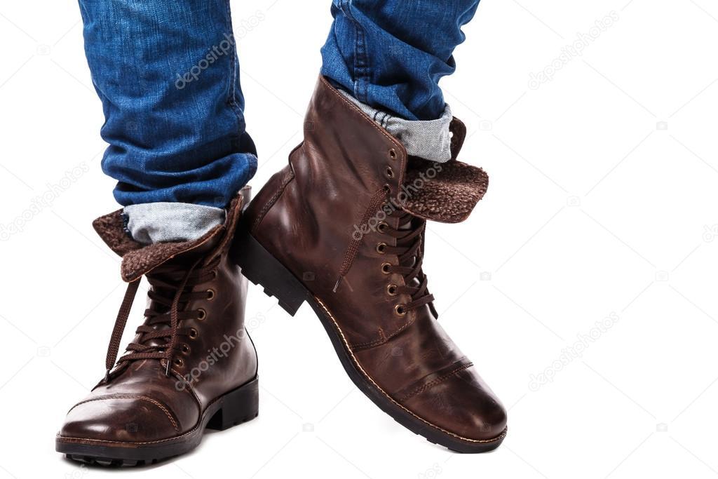 6c51f32d7d8c Фото: сапоги на ногах. Мужские ноги в джинсы и кожаные сапоги ...