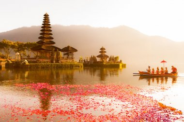Beratan Lake in Bali Indonesia, June 16 2015 : Balinese villager