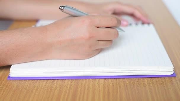 kézi írás-a jegyzetfüzet