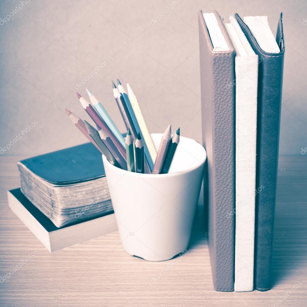 могиле близкого фото карандашей и книжек утяжелять вид