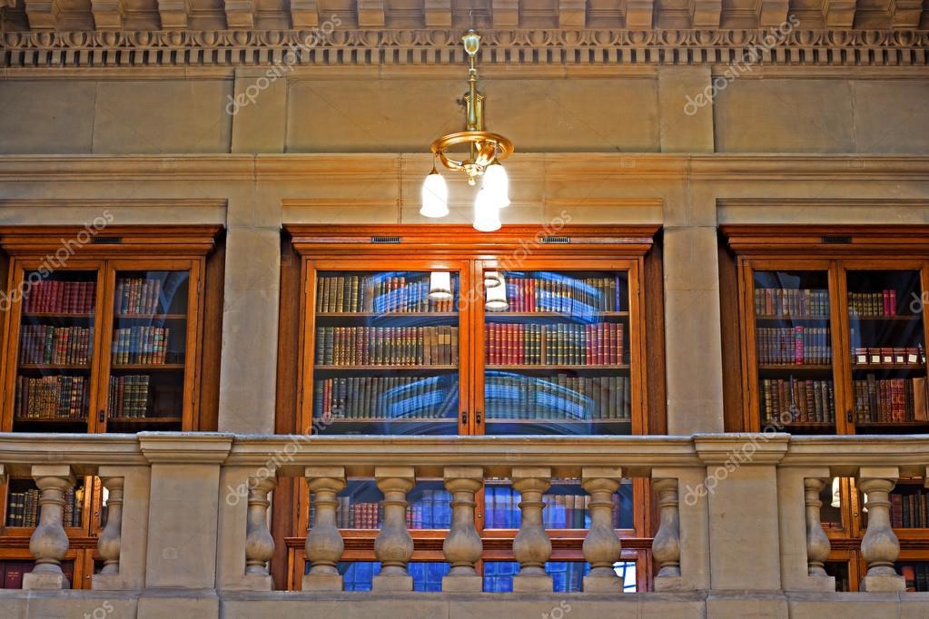 De Bibliotheek Kamer : De prachtige eiken kamer binnen liverpool centrale bibliotheek