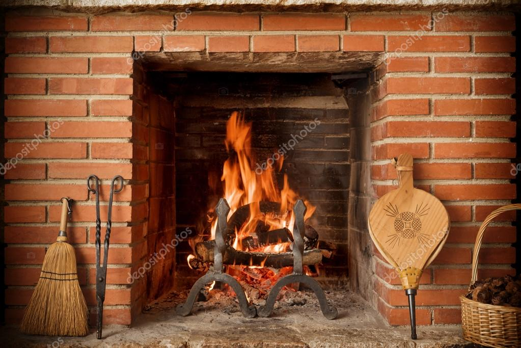 Fotos chimeneas rusticas ladrillo chimenea r stica foto de stock estudiosaavedra 63985097 - Chimeneas rusticas ladrillo ...